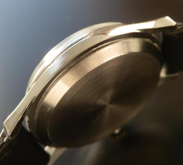 激希少30mm Cal.30T2 PC★オメガ★ステンレススティール 35mm-1947年製のサムネイル