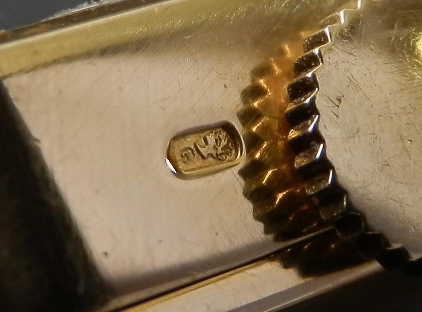 哀愁の一品18金無垢シャンパンゴールド リボンラグ★ロレックス レディース★スクエアーケース Ref.390のサムネイル