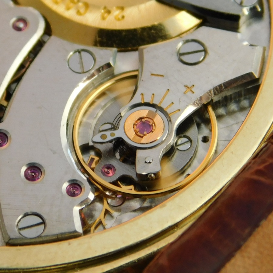 "★★★  P I A G E T  ★★★  Ultra Slim ""AUTOMATIC MICRO-ROTOR"" 24K Solid gold Auto Rotor☆世界最薄型ギネス ウルトラスリム ""マイクロ24金無垢ローター""  Ref.12103/Cal.12Pのサムネイル"