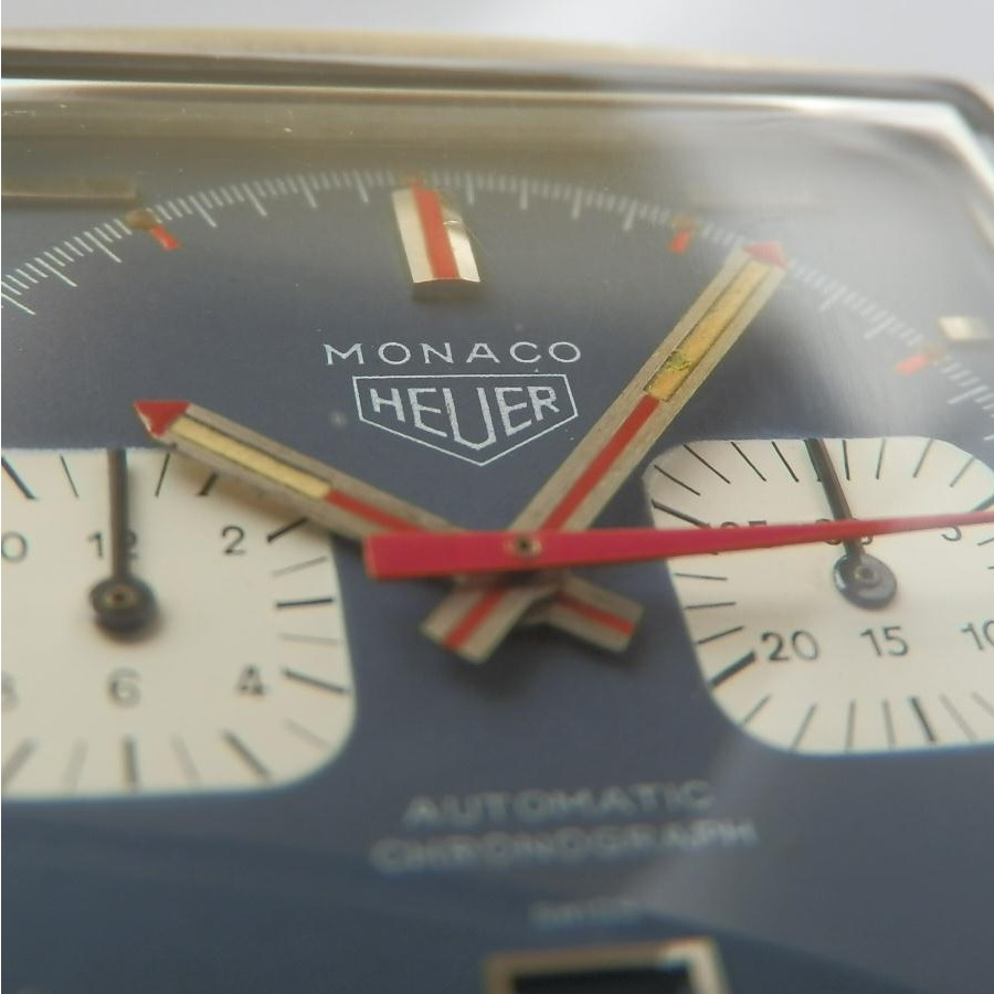★★★ HEUER ★★★  The First Square Water Proof & The First Auto Chronograph★世界初角型完全防水 & 世界初自動巻クロノグラフ MONACO  Ref.1133/Cal.11のサムネイル