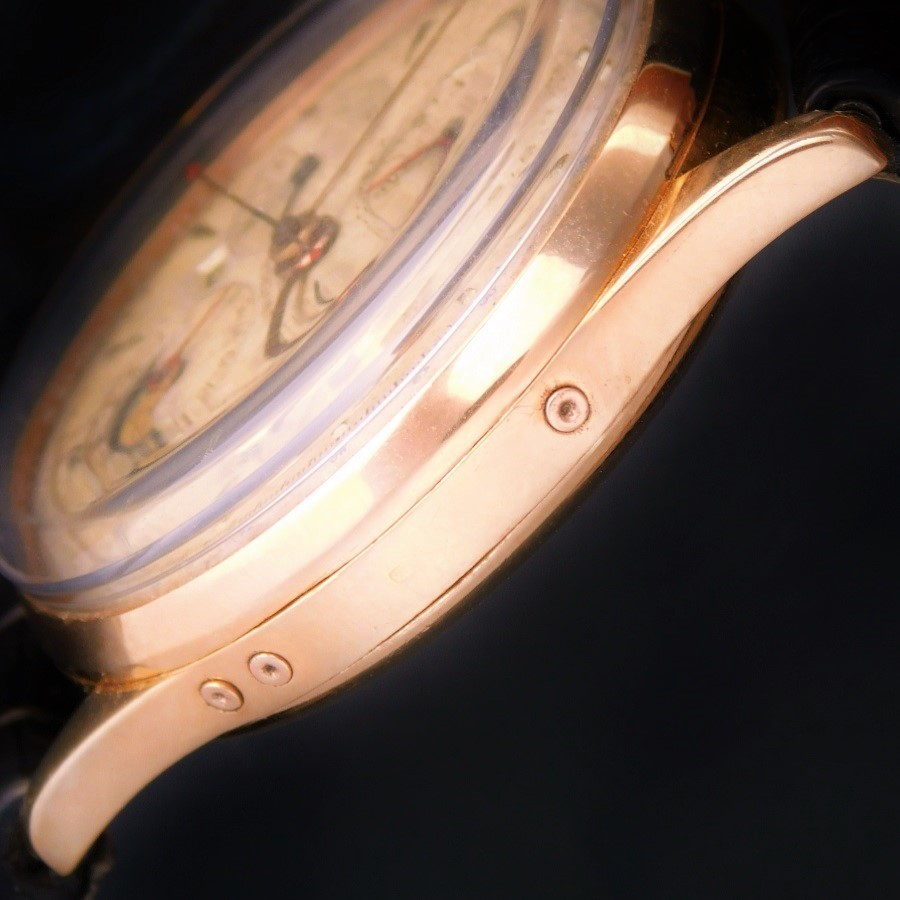 "★★★ UNIVERSAL GENEVE ★★★ Triple Calendar & MOONPHASE ""TRI-COMPAX"" Chronograph In 18K Rose Gold☆激激希少18金無垢ローズゴールド★ユニバーサル ジュネーブ トリコンパックス Ref.12266★名機481キャリ☆1950年代のサムネイル"