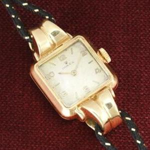 Rolex Fancy Double sepped Lug in 18k solid gold…. ★ファンシー ダブルステップドラグ★18金無垢  Code ban Ladies watch Ref.4405/Cal.200